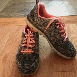 Sketchers Knit Memory Foam Sneakers in Grey/Pink - Size 9